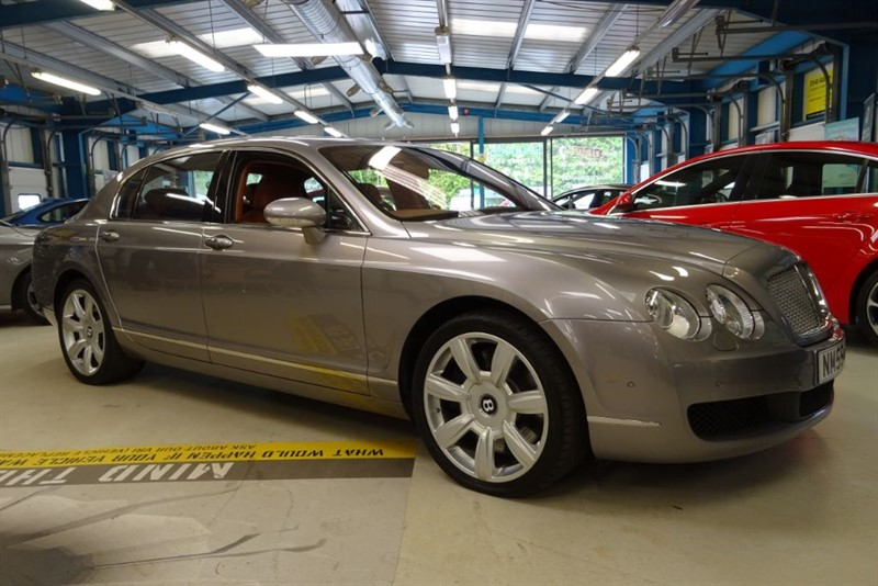 used Bentley Continental Flying Spur 5 SEATS [STUNNING COLOUR COMBINATION] in basingstoke-hampshire