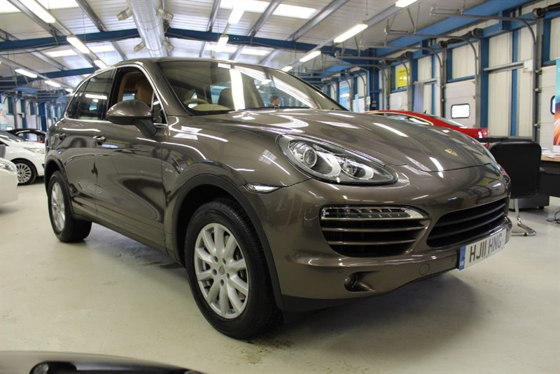 used Porsche Cayenne D V6 TIPTRONIC S [SAT NAV / FULL TAN LEATHER] in basingstoke-hampshire