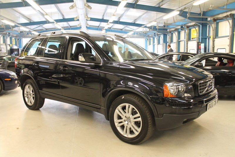 used Volvo XC90 D5 SE AWD (7 SEATS / FULL LEATHER) in basingstoke-hampshire