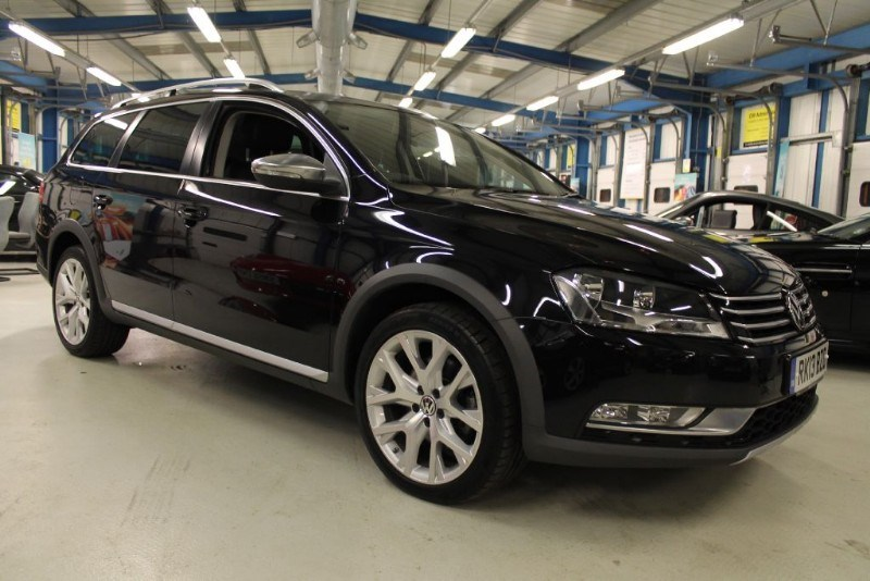 used VW Passat ALLTRACK TDI BLUEMOTION TECH 4MOTION DSG (UNBEATABLE SPEC!!) in basingstoke-hampshire