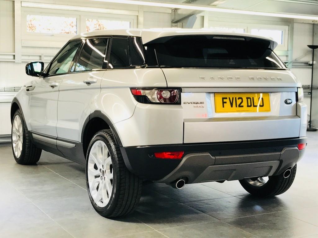 cars landrover quebec dynamique black evoque hatchback pack sale used en in for land laval range rover