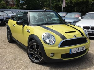 used MINI Convertible COOPER S WITH SAT NAV in hook-hampshire