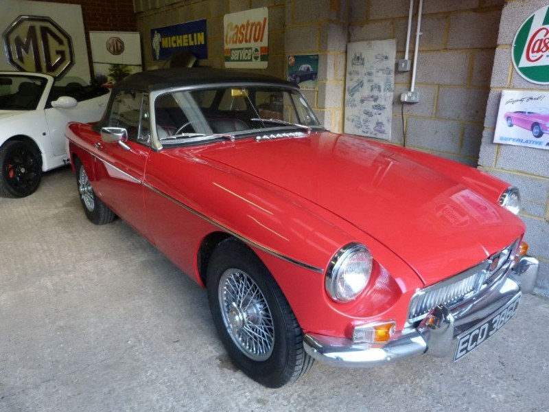Car of the week - MG MGB roadster (RHD) Pull handle. - Only £15,995