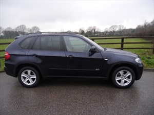used BMW X5 xDRIVE 30d SE Auto (PANO ROOF & REAR ENTERTAINMENT) in aldershot-hampshire