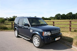 used Land Rover Discovery 4 SDV6 HSE (REAR ENTERTAINMENT) in aldershot-hampshire