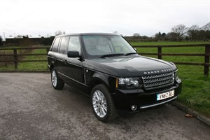 used Land Rover Range Rover TDV8 WESTMINSTER(REAR ENTERTAINMENT) in aldershot-hampshire