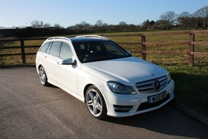 used Mercedes C220 CDI BLUEEFFICIENCY SPORT(PANO ROOF.. BIG SPEC) in aldershot-hampshire
