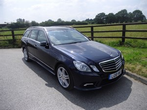 used Mercedes E500 SPORT (PANO ROOF.. MANY EXTRA'S) in aldershot-hampshire