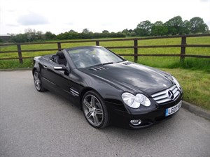 used Mercedes SL350 SL 350 AUTO (PANO ROOF) in aldershot-hampshire