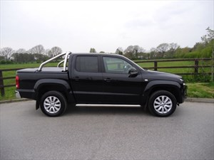 used VW Amarok DC TDI HIGHLINE 4MOTION in aldershot-hampshire