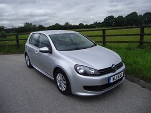 used VW Golf S TDI BLUEMOTION in aldershot-hampshire