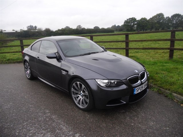 "used BMW M3 SMG (SAT NAV + 19"" ALLOYS) in aldershot-hampshire"