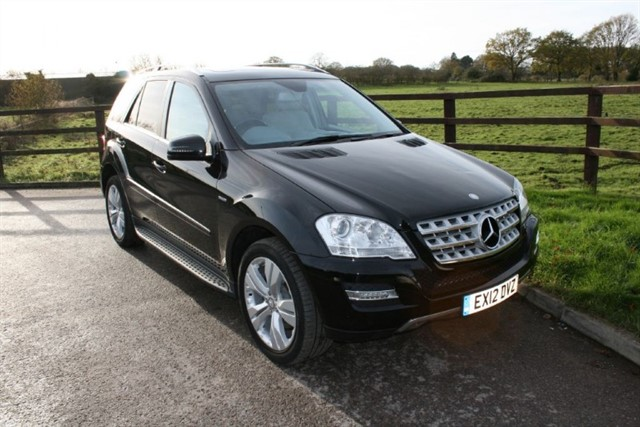 used Mercedes ML300 CDI BLUEEFFICIENCY SPORT(COMAND PLUS MANY EXTRAS) in aldershot-hampshire