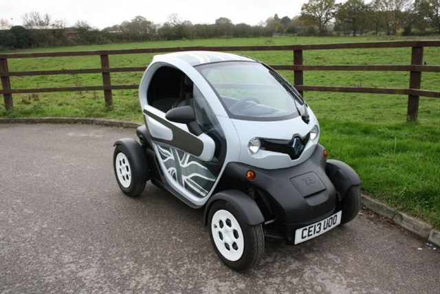 used Renault  TWIZY COLOUR in aldershot-hampshire