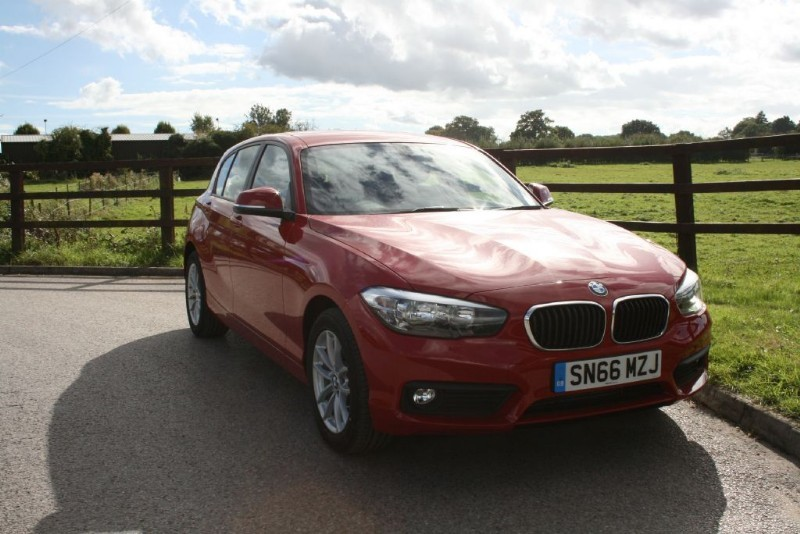 used BMW 118i SE ( BRAND NEW ONLY 8 MILES ON THE CLOCK PLUS SAT NAV) in aldershot-hampshire