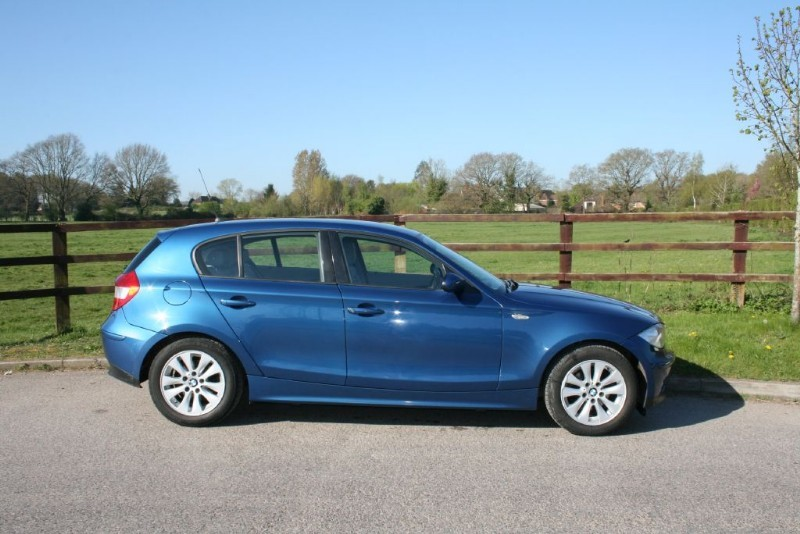 used BMW 118i SE in aldershot-hampshire