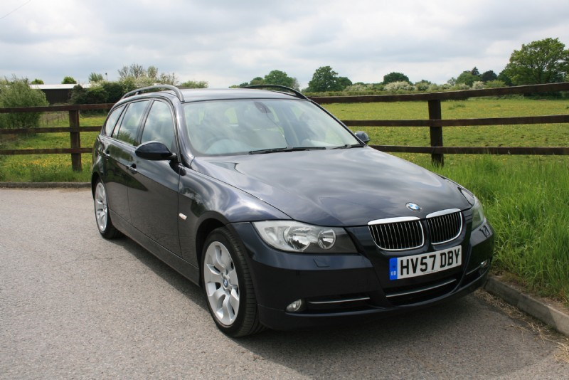 used BMW 335i SE TOURING in aldershot-hampshire