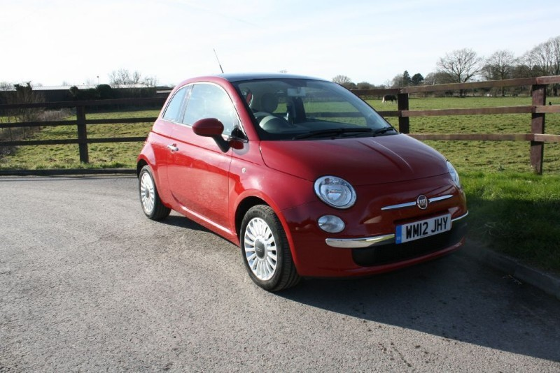 used Fiat 500 LOUNGE in aldershot-hampshire