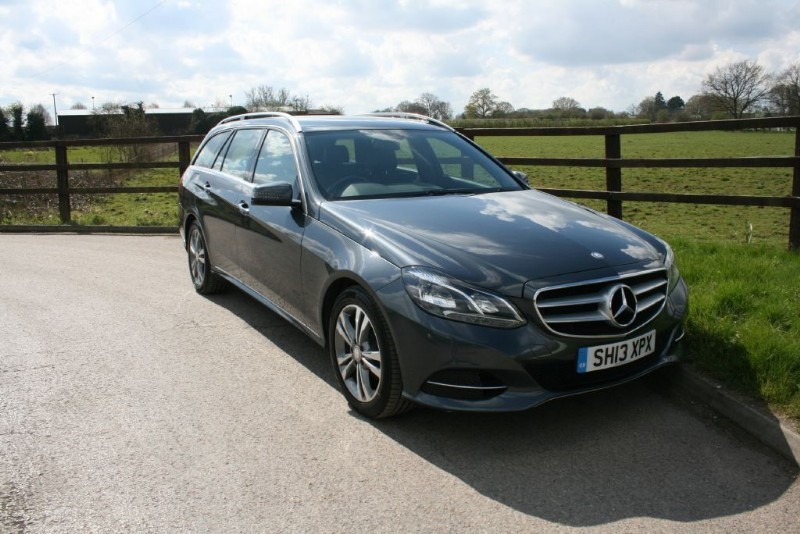 used Mercedes E220 CDI SE (COMAND SAT NAV) in aldershot-hampshire