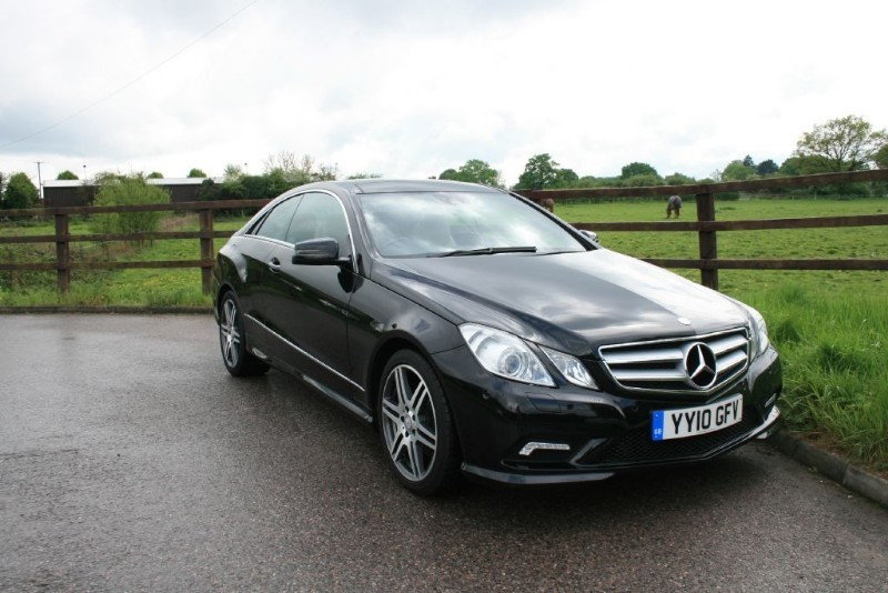 used Mercedes E350 CDI BLUEEFFICIENCY SPORT (PANO ROOF + SAT NAV) in aldershot-hampshire