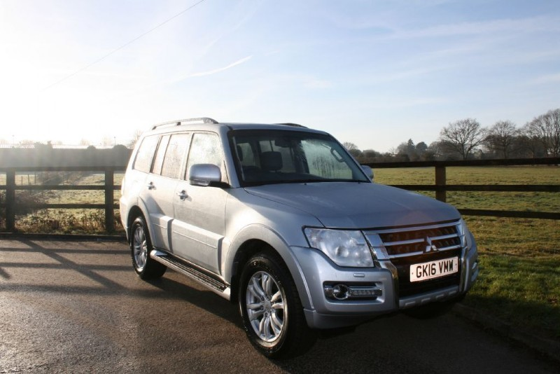 used Mitsubishi Shogun DI-D SG3 (REAR ENTERTAINMENT) in aldershot-hampshire