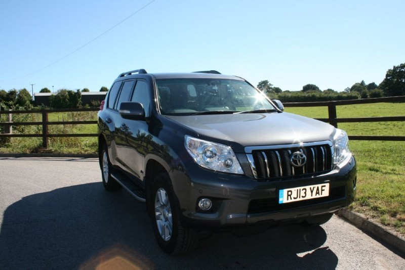 used Toyota Land Cruiser LC4 D-4D in aldershot-hampshire