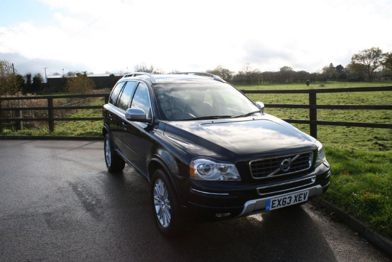 used Volvo XC90 D5 EXECUTIVE AWD in aldershot-hampshire