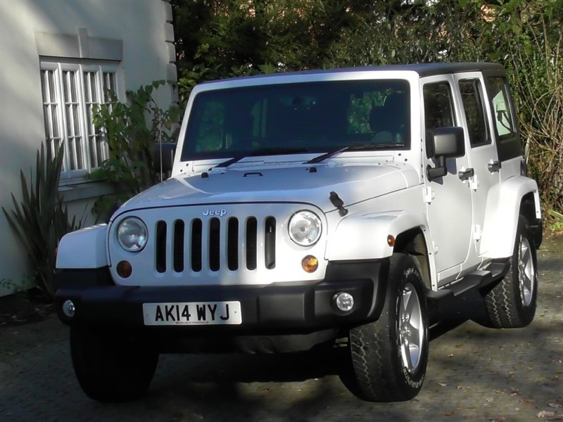 Used Bright White With Anthracite Logo Trim Jeep Wrangler For Sale Surrey