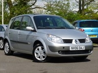 Used Renault Scenic Dynamique VVT with a Panoramic Glass Roof