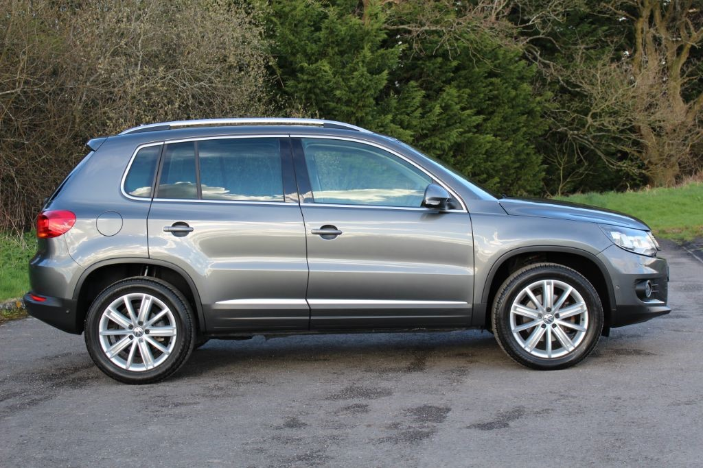 used nimbus grey vw tiguan for sale hampshire. Black Bedroom Furniture Sets. Home Design Ideas