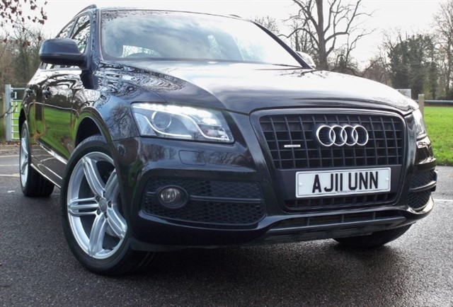used Audi Q5 Tdi Quattro S Line Plus [245] (FANTASTIC SPECIFICATION !!) in chertsey-surrey