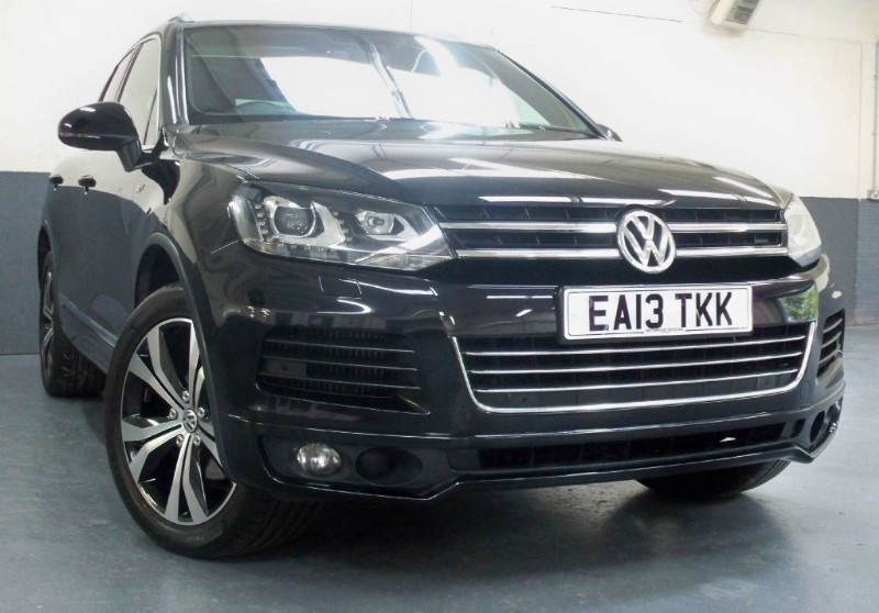 used VW Touareg V6 R-LINE TDI BLUEMOTION TECHNOLOGY [245] (HUGE SPEC !!)  in chertsey-surrey