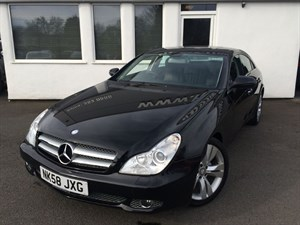used Mercedes CLS320 CDI CLS320 CDI *Black Leather/Command Sat Nav* in cheshire