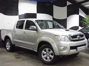 Toyota Hilux D-4D Invincible Pickup IMPECCABLE
