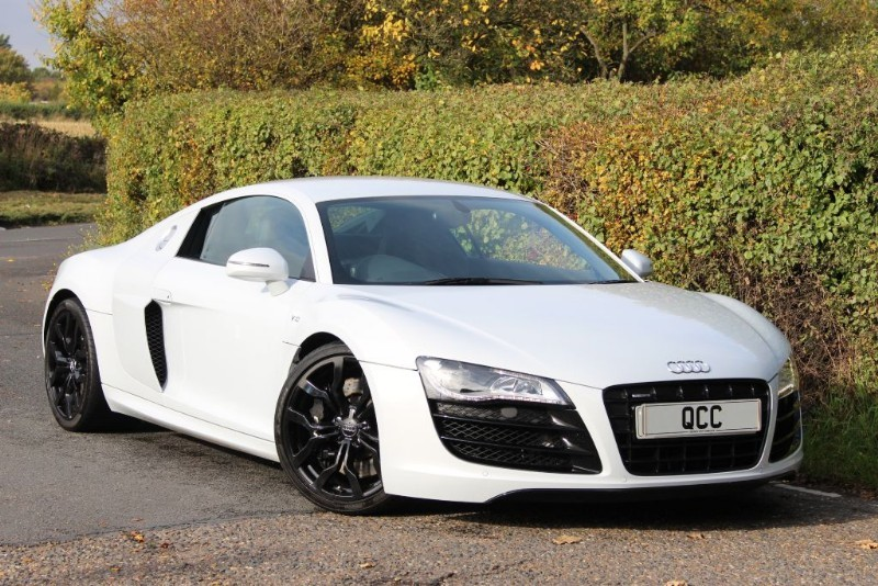 used Audi R8 V10 QUATTRO R TRONIC in essex-for-sale