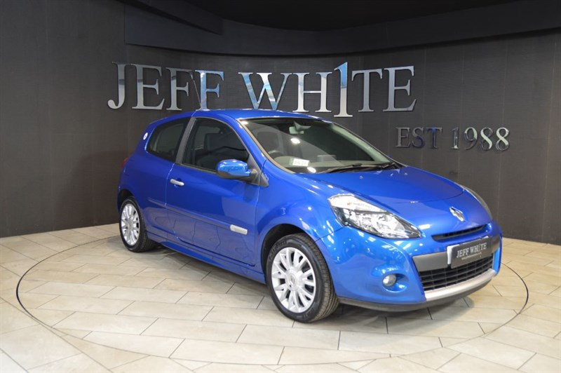 used Renault Clio 1.2 16V TOMTOM EDITION 3dr in cardiff-south-wales
