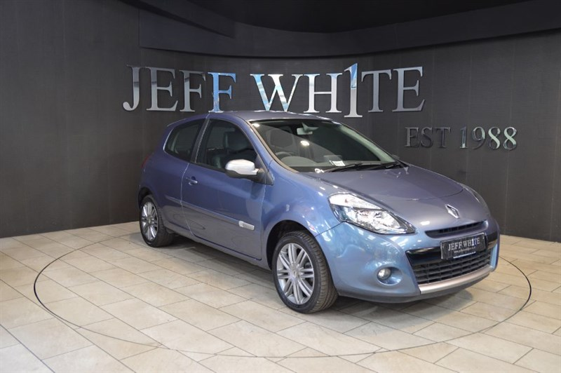 used Renault Clio 1.2 DYNAMIQUE TOMTOM 3dr in cardiff-south-wales