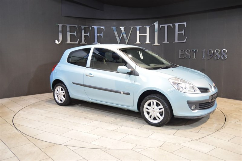 used Renault Clio 1.2 16V EXPRESSION 3dr in cardiff-south-wales
