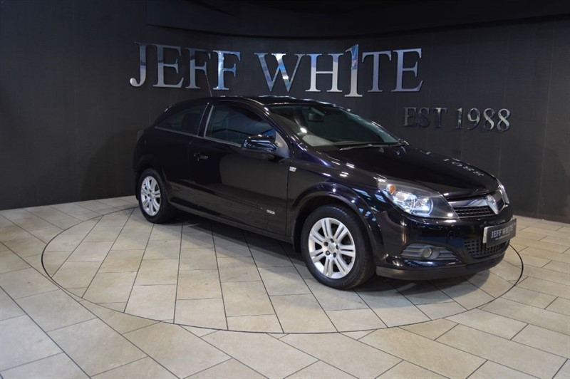 used Vauxhall Astra 1.8 VVT Design 3dr in cardiff-south-wales