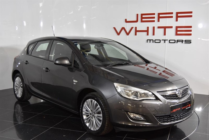 used Vauxhall Astra 1.4 VVT EXCITE 5dr in cardiff-south-wales