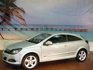 used Vauxhall Astra CDTi 16V ecoFlex Design [110] 3dr in South-Wales