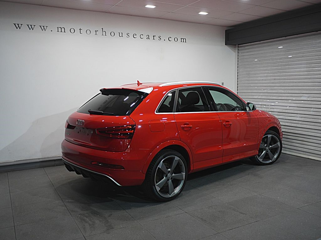 audi q3 rsq3 tfsi quattro panroof 1 owner for sale motor house of shipley shipley west. Black Bedroom Furniture Sets. Home Design Ideas