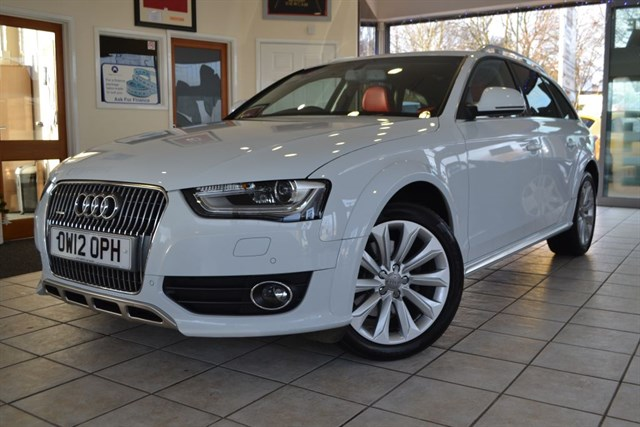 used Audi A4 allroad TDI QUATTRO 1 OWNER 22000 MILES AUDI EXCLUSIVE RED LEATHER  in forest-of-dean-gloucestershire