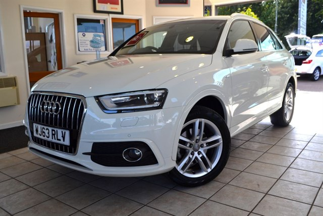 used Audi Q3 TDI QUATTRO S LINE ONE OWNER 7000 MILES AUDI WARRANTY UNTILL 2016 in forest-of-dean-gloucestershire