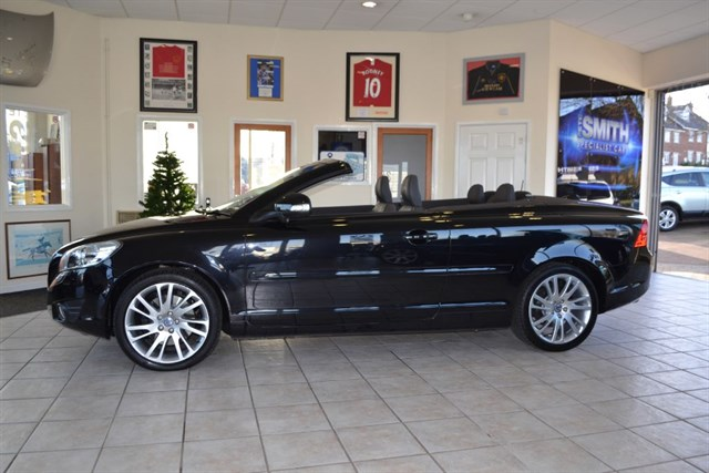 used Volvo C70 D3 SE LUX SOLSTICE CONVERTIBLE ONE OWNER in forest-of-dean-gloucestershire