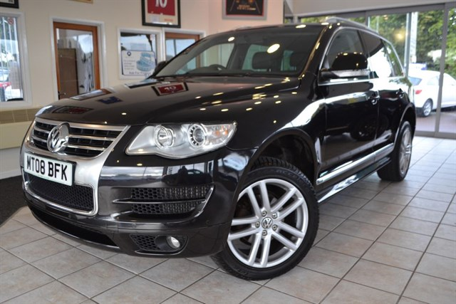 used VW Touareg ALTITUDE DPF 2.5 WITH NAVIGATION in forest-of-dean-gloucestershire
