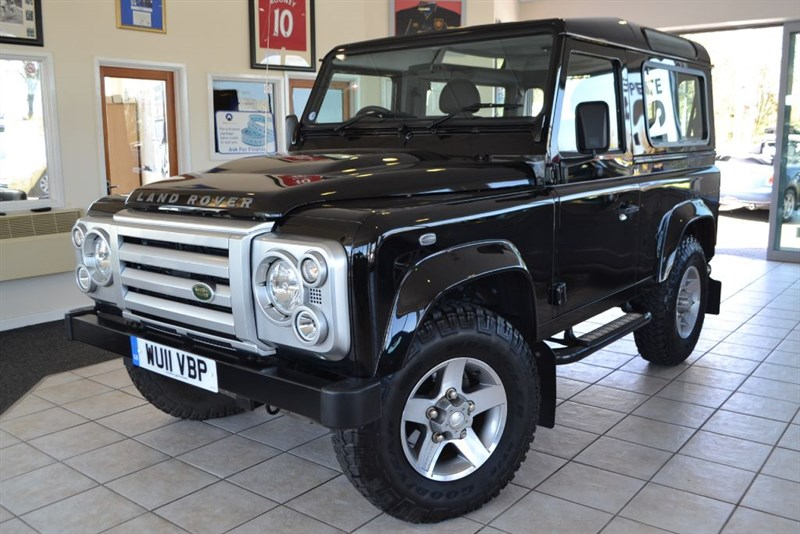 used Land Rover Defender 90 TD XS STATION WAGON ONE OWNER ONLY 8000 MILES in forest-of-dean-gloucestershire