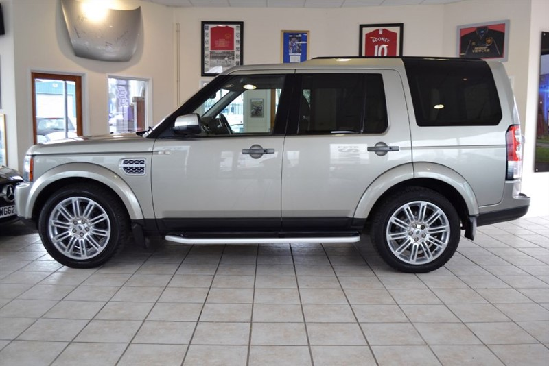 used Land Rover Discovery 4 3.0L SDV6 HSE COMPLETE WITH FULL SERVICE HISTORY & NAVIGATION in forest-of-dean-gloucestershire