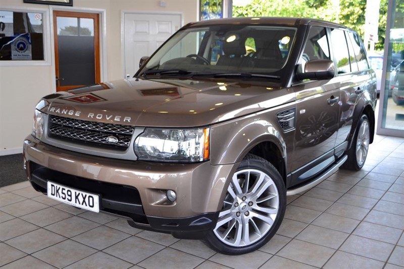 used Land Rover Range Rover Sport TDV6 HSE WITH A RARE BUT STUNNING COLOUR COMBINATION in forest-of-dean-gloucestershire