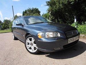 used Volvo V70 D SE in guildford-surrey